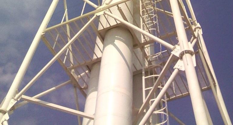 Вытяжные башни и ферменные дымовые трубы